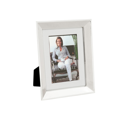Picture-frame-swanson-1