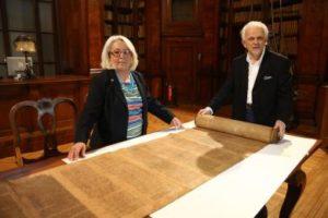 Torah, ritrovato negli archivi Alma Mater il piu' antico rotolo esistente del pentateuco