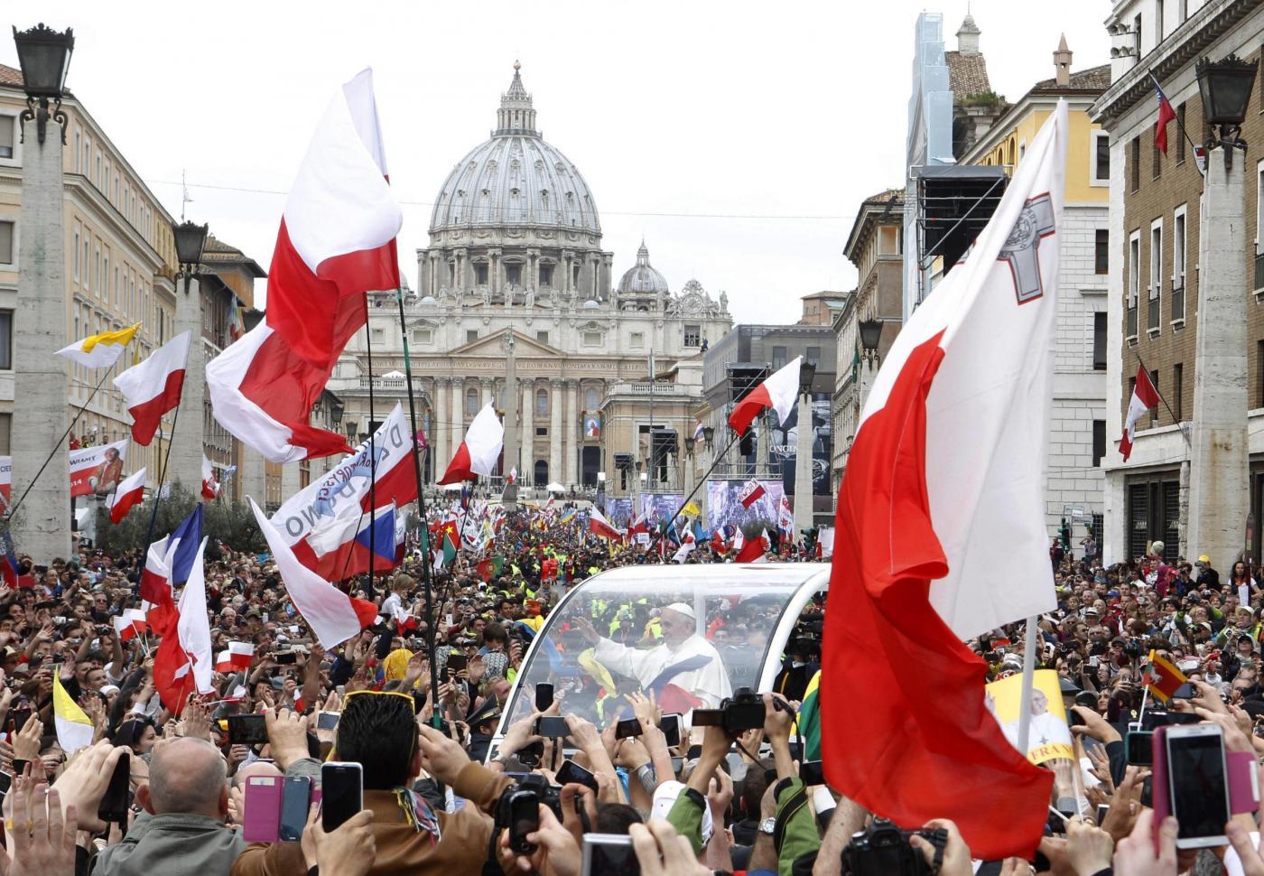 Canonizzazione Papi: Giovanni Paolo II e Giovanni XXIII santi, la cerimonia