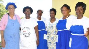 rsz_chester_adventist_church_school_feeding_volunteers