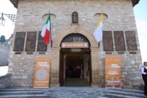 N19-Assisi_a tavola con le religioni1