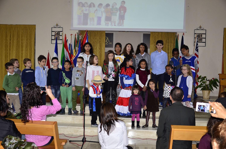 gruppo-internazionale-di-bambini