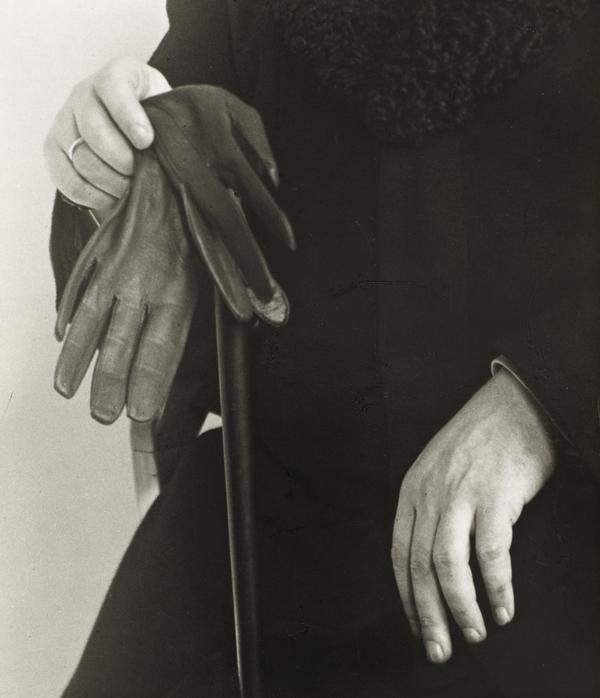 Studien - Der Mensch [Hands of the Writer L. Mather, c.1928] (about 1928)