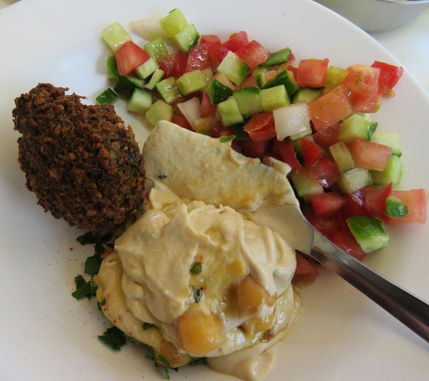 The glories of hummus. This time spiced up with a sneaky few falafel.
