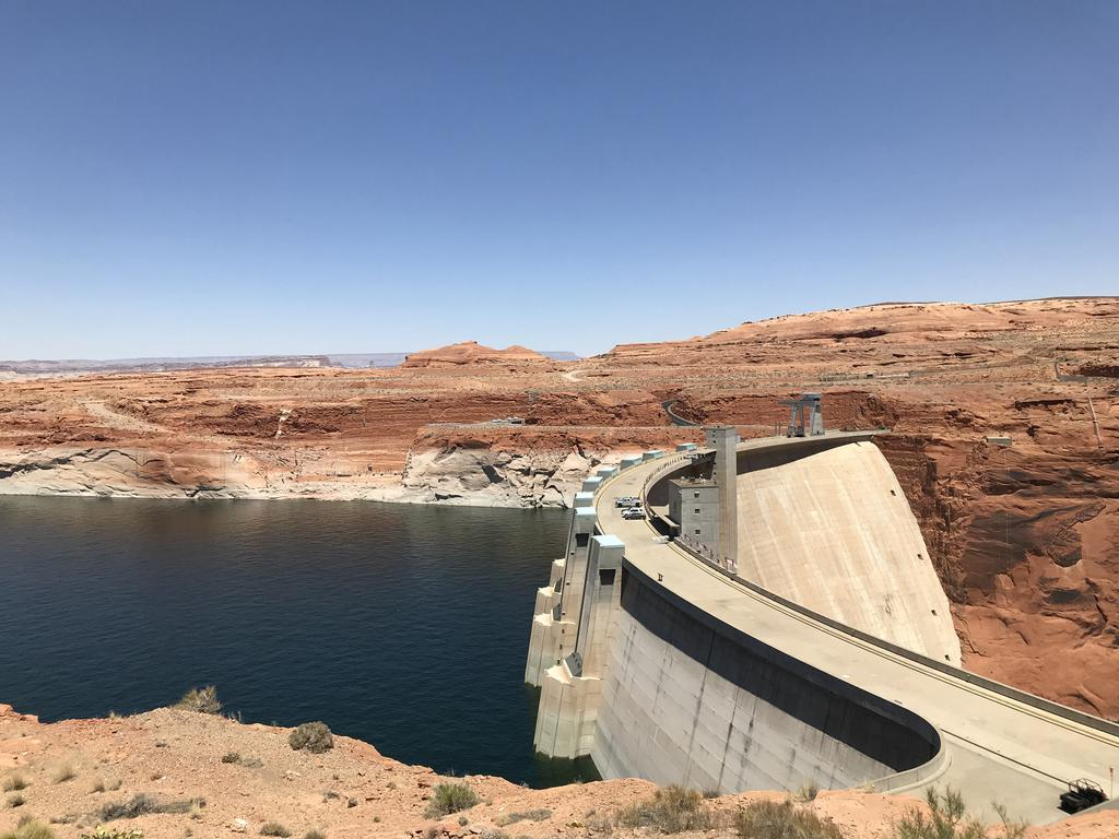 Glen Canyon Dam wall on the drive toward Page