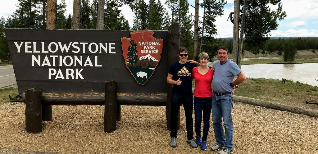 Mandatory photo at the gate of Yellowstone