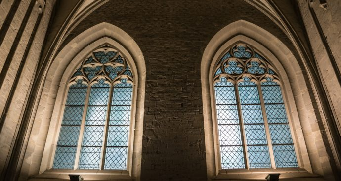 church-window-366817_1920