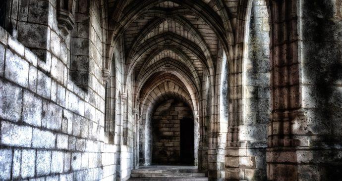 cloister-3569115_1920