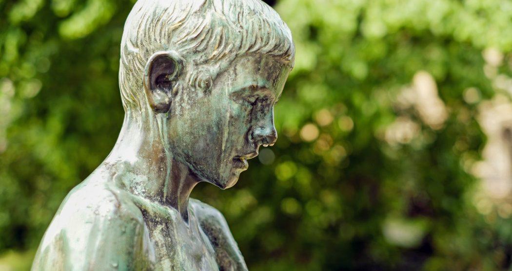 sculpture-1392529_1920