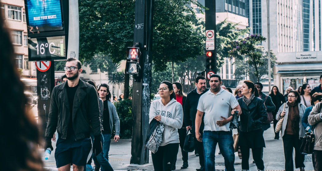 drukke-straat-mensen
