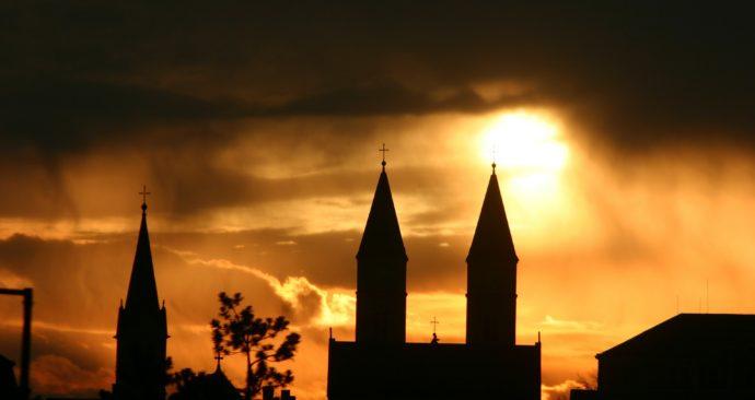 church-79376_1920