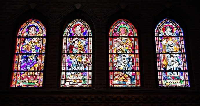 church-window-1843910_1920