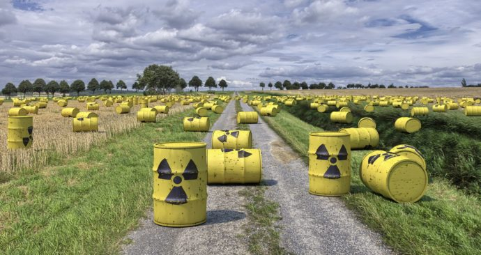 nuclear-waste-1471361_1920