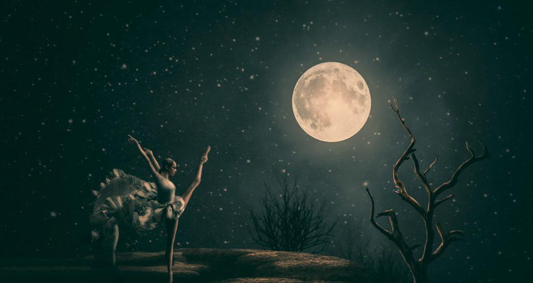 moon-3185073_1920