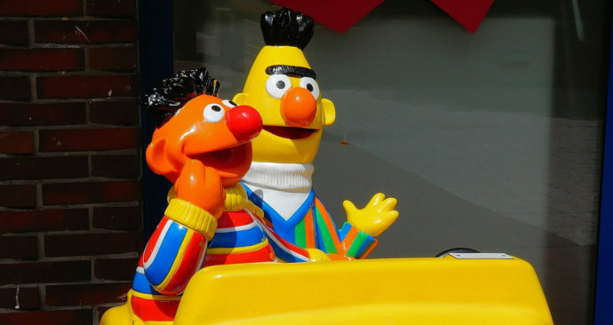 bert-and-ernie-382270_1920