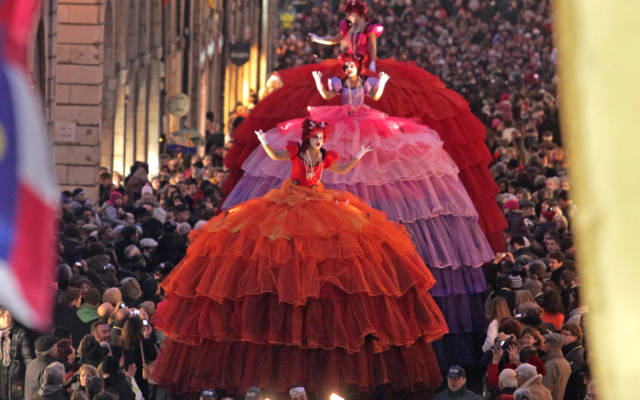 Giant dolls during a Trans Express promenade