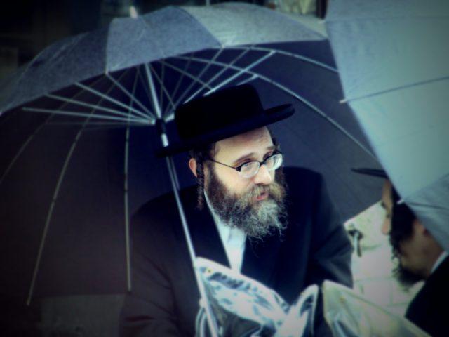 ¿Quiénes son y cómo viven los judíos ortodoxos?