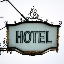 Les Hôtels, Auberges, Pensions de Famille et B&B