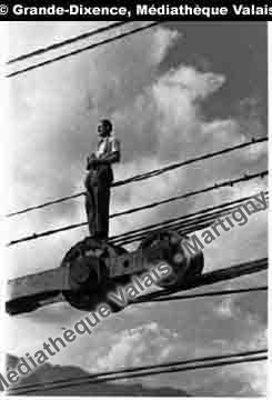 Sur le câble porteur, Grande-Dixence