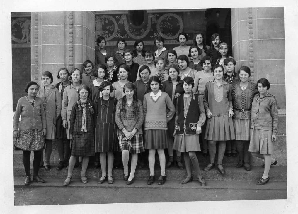Ecole de jeunes filles, à Montriond, Lausanne , en 1930