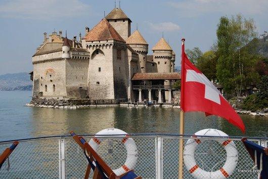 Le château avec le drapeau Suisse