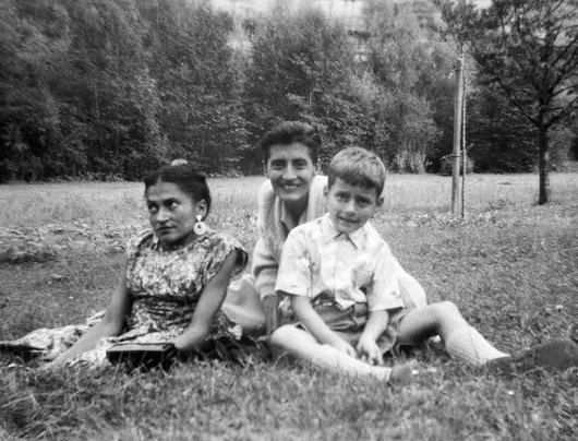Suzanne Delacoste, avec sa soeur Germaine et son neveu Laurent de Weck
