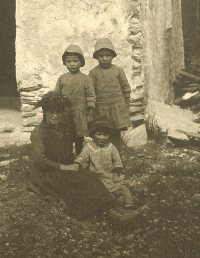 Enfants de Mottec-Anniviers