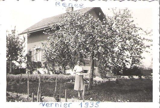 Renée et l'arbre en fleurs_131