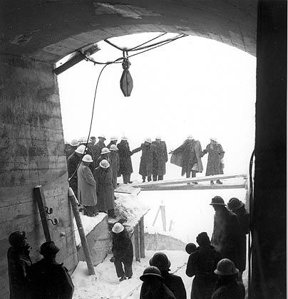 Visite du site en construction du barrage de la Grande-Dixence
