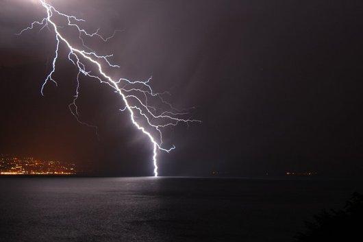 Violent orage sur le Léman
