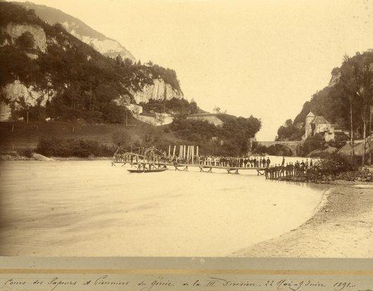 Défilé de St-Maurice avec les fortifications Dufour