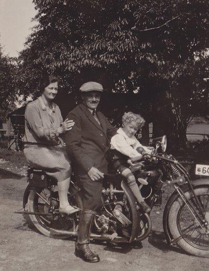 Une familles d'Hüttenswil (Argovie)