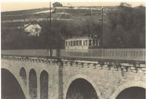 Le tram Clarens-Chailly-Blonay sur le Pont de Brent