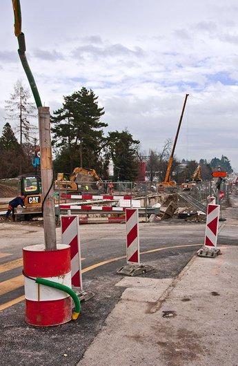 Meyrin-Village, construction d'une nouvelle ligne de tram en 2009.