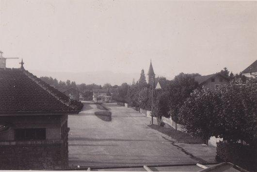 L'église et le Jura, Versoix, 1945