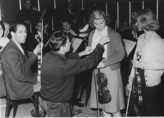 Victor Desarzens crée un ensemble pour  Radio Lausanne