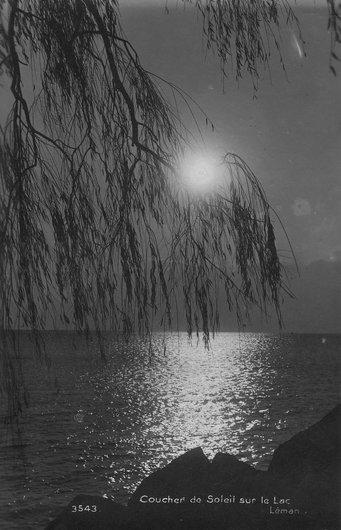 Coucher de soleil sur le lac Léman à Vidy; romantisme