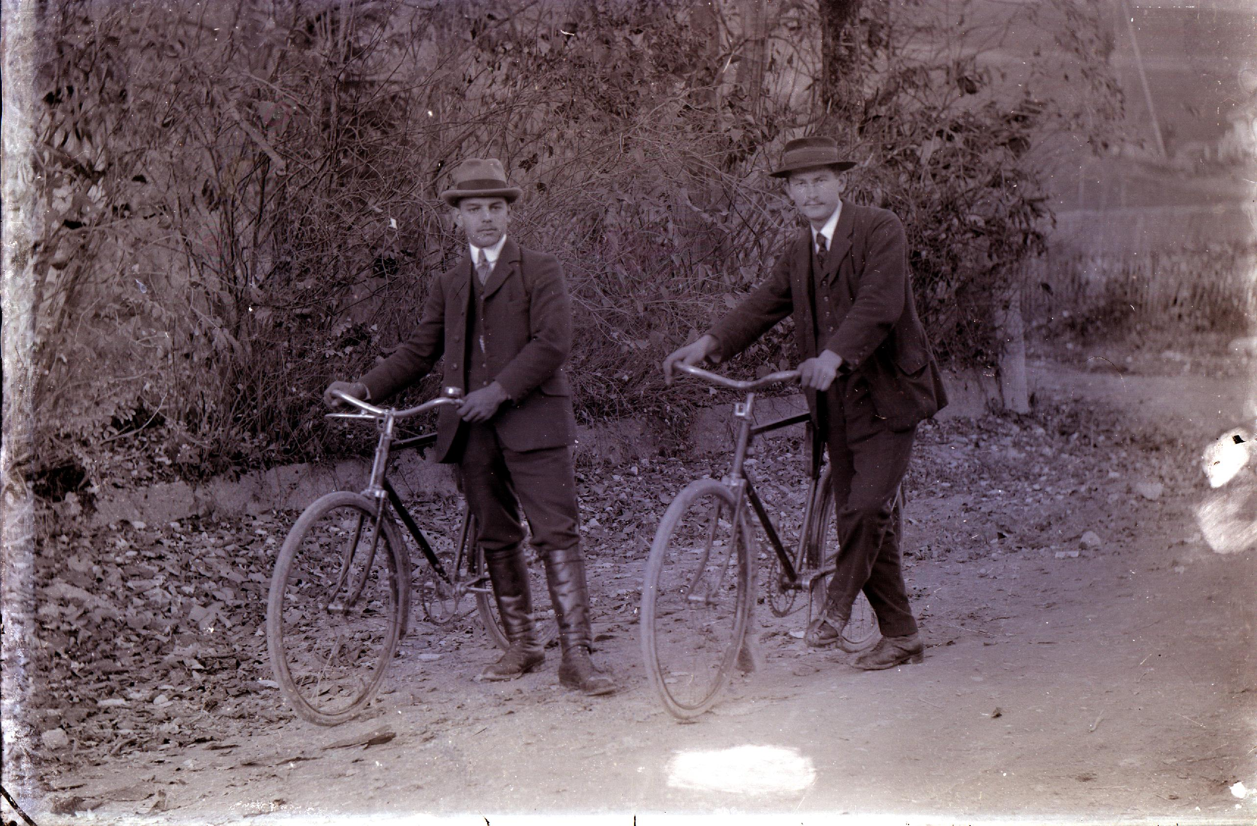 Les Dupont en vélo