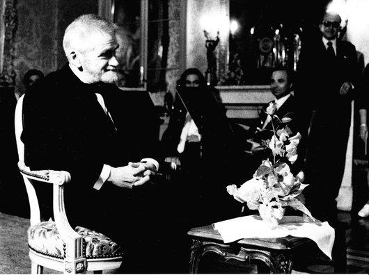 Victor Desarzens reçoit le prix de la Ville de Lausanne, dans la Maison de Mont-Repos