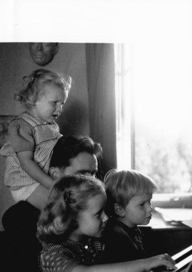 Victor Desarzens en famille à la ferme de Béthusy
