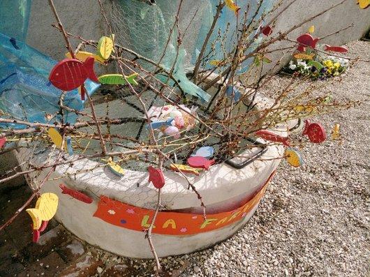 Fontaine décorée à Prangins.3 détail