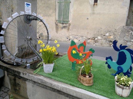 Fontaine décorée à Eysins