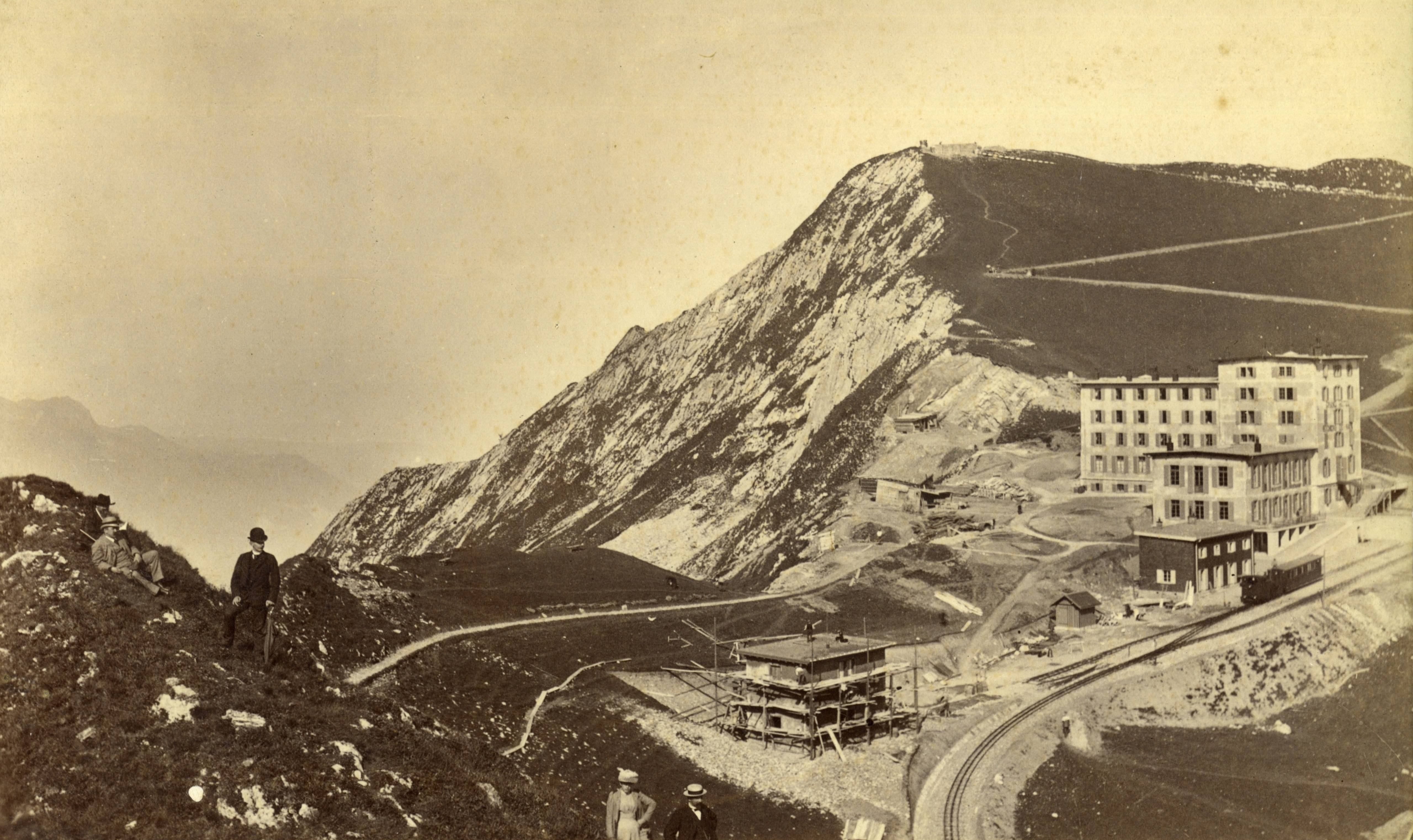 Gare et hôtel des Rochers de Naye