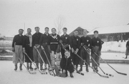 Tuileries Hockey Club 1942
