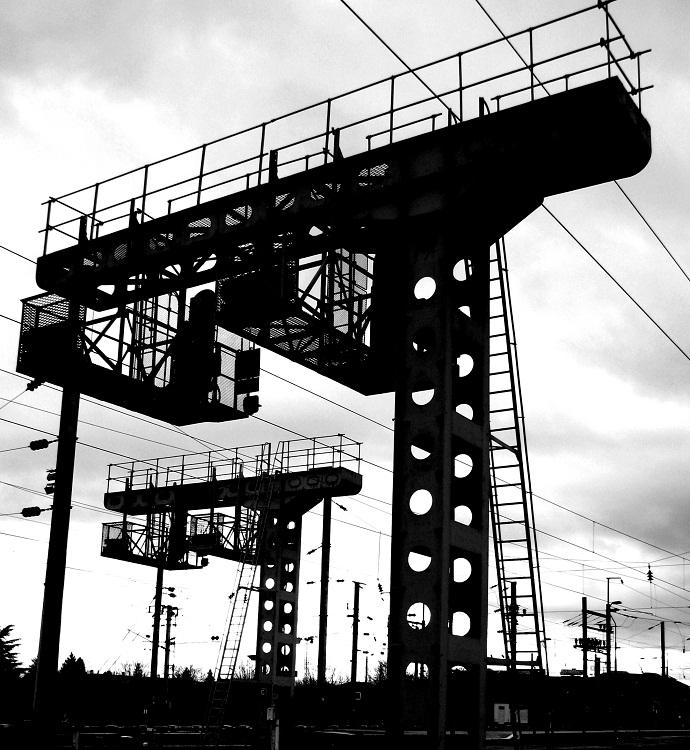 Potences de signalisation en gare d'Annemasse