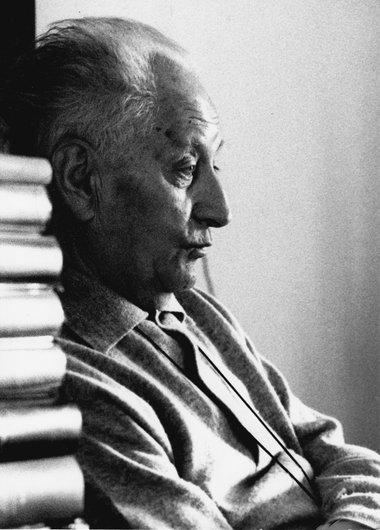 Jean Giono, auteur du livre,  Le déserteur