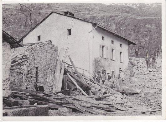 Chez Vital et Adolphe Dorsaz, lors de la ravine de Saxé