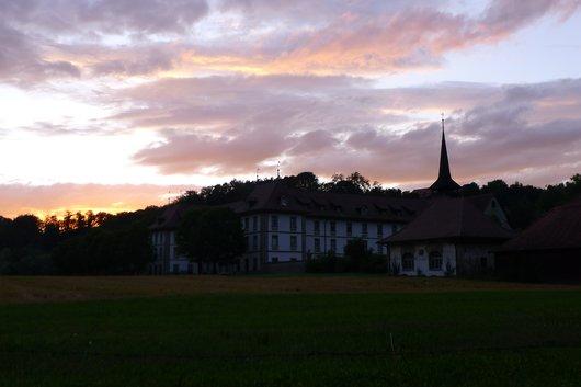 Abbaye de Hauterive, ciel flamboyant
