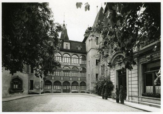 "Grand Hôtel  "" Château Bellevue  "" - Sierre"