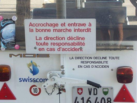Montreux, interdit de s'accrocher au petit train touristique